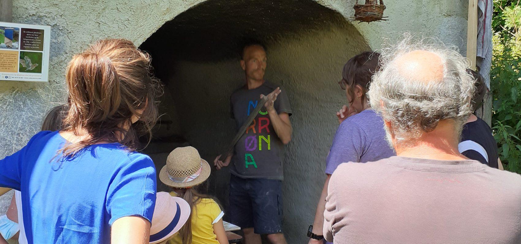 La fabrication du pain autour du four de la Chartreuse d'Aillon